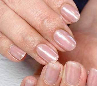 パールの輝きで美しい指先へサムネイル