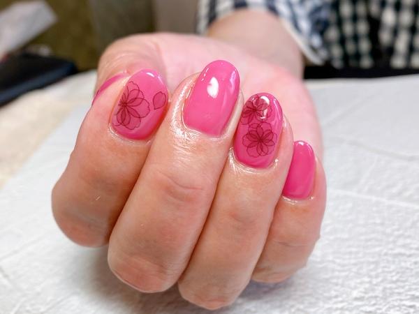 ピンク×ブラックで大人の色気が溢れますサムネイル