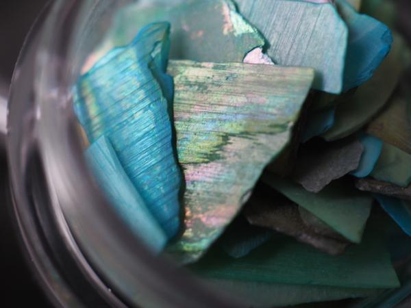 シェルパーツは螺鈿のような美しさサムネイル